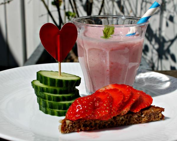 jordbærsmoothie med tofu og rismælk