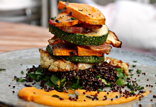 salat med bagte rodfrugter samt quinoa