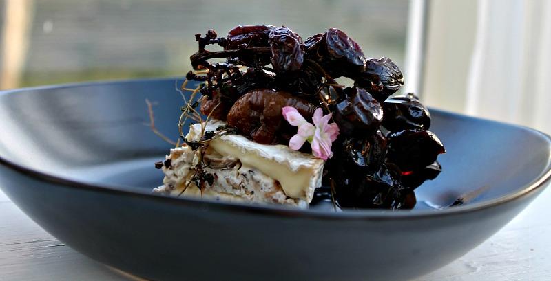 Brie med mascarpone, svampe og valnødder