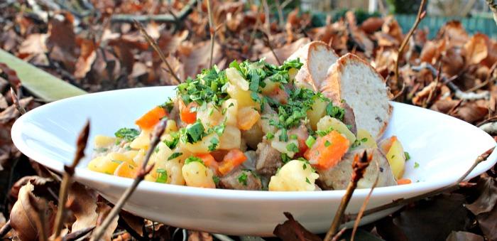oksebov med kartofler,gulerødder og selleri