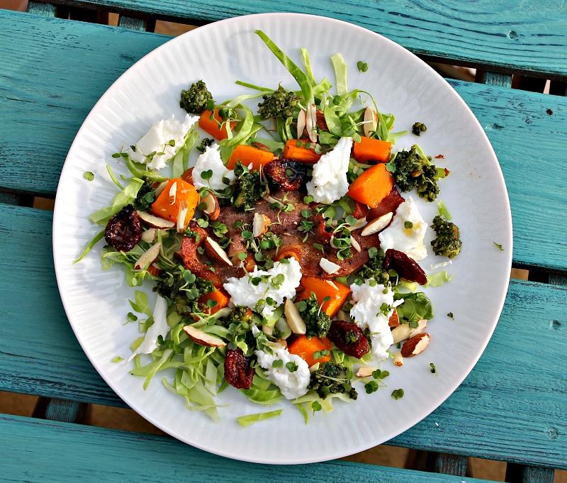 bagt butternut squash, mandler,pesto,bacon - lækker salat