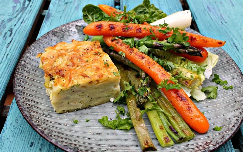 pasta squash snitter med grillet salat