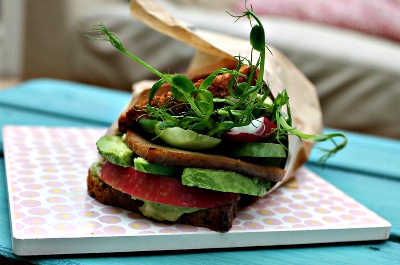 vegetar sandwich med tofu
