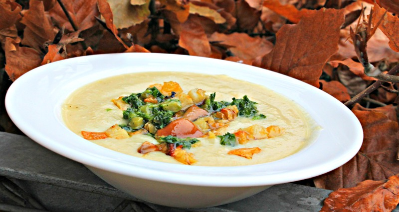 persillerodssuppe med bagt pastinak og syltede svampe